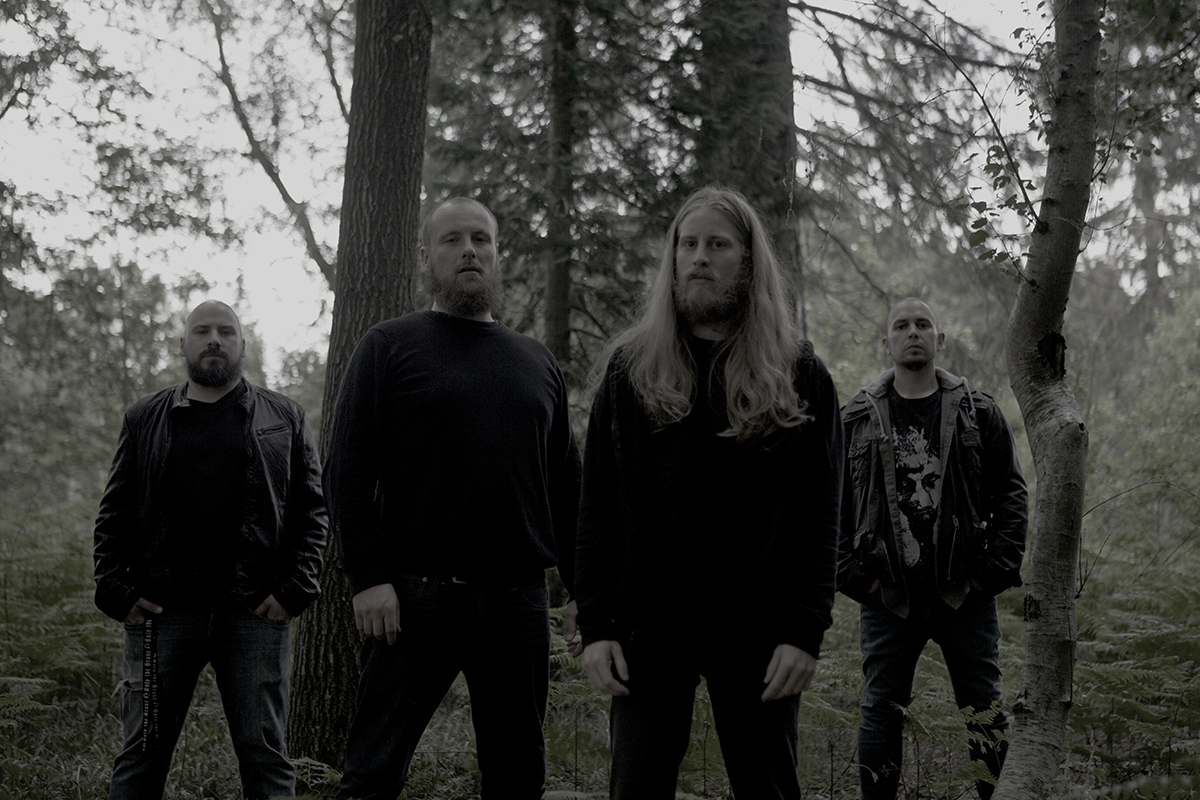 Photo promo de LETHVM, line-up 2018… Matthieu (basse), Tony (batterie), Vincent (chant) & Nicola (guitare)
